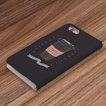 コーヒー好きさんにおすすめしたい個性的なデザインのスマホケースです。黒ベースに描かれたイラストは、チョークアートのようにも♪