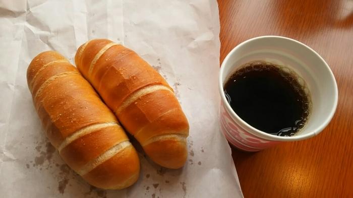 塩パンの発祥地はなんとオーストリア。「ザルツシュタンゲン(Salzstangen)」という名のパンが、日本で「塩パン」と名を変えパン屋さんでその人気を爆発させました。