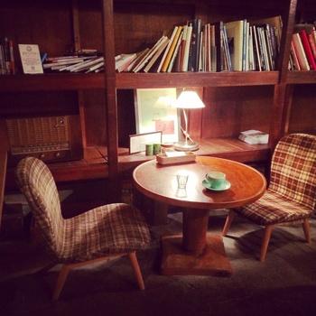 おしゃれで落ち着くカフェ空間には、自分のお部屋のコーディネートにもぜひ真似したいポイントが沢山! これぞカフェっぽい♪というインテリアアイデアを取り入れて、素敵なお家を作ってみませんか?