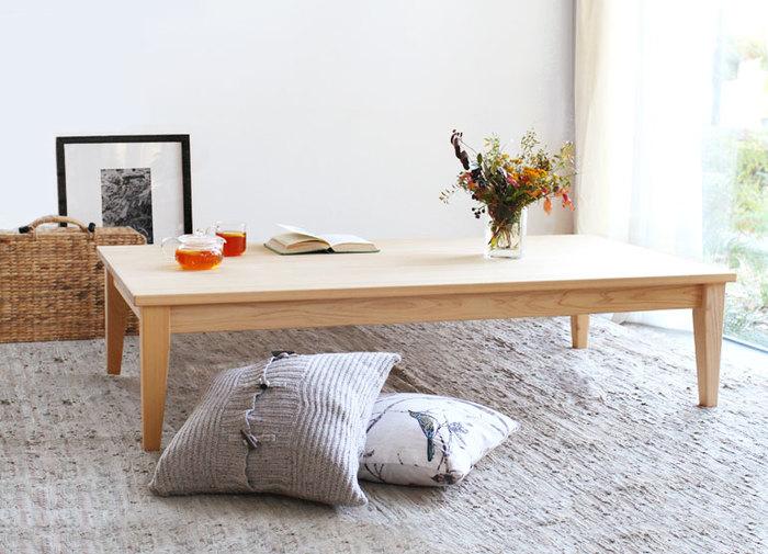 そのサイズ設定は、なんと1cm刻み! お部屋の大きさや使い方、使う人の体型に合わせて自由に設定できるのが魅力です。ダイニングテーブルの他に、こんなローテーブルもオーダーが可能。リビングのインテリアが変わりそうです。