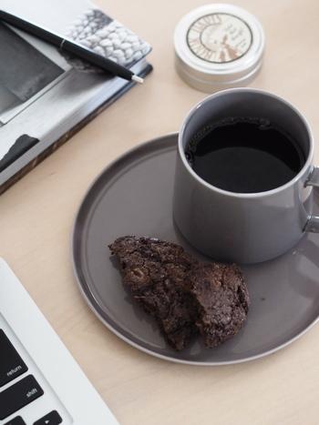 同じコーヒー豆でも抽出の仕方によって味は大きく変わります。豆の特性を生かした本当に美味しい一杯のコーヒーをご自宅で淹れることができるようになったら、おうちカフェのコーヒータイムがますます充実したものになりそうですね。