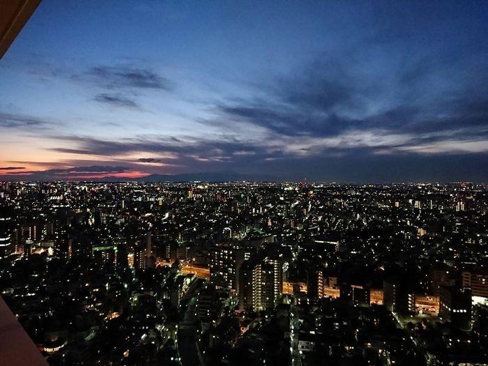 人間が作り出す光と自然の美しさがマッチすることで、夜景はより素敵なものと感じられるようになります。夜景についての蘊蓄を学ぶと、日本全国を旅してまわりたくなりますよ。夜景の写真を撮るのが好きな方にはとくにおすすめの資格です。