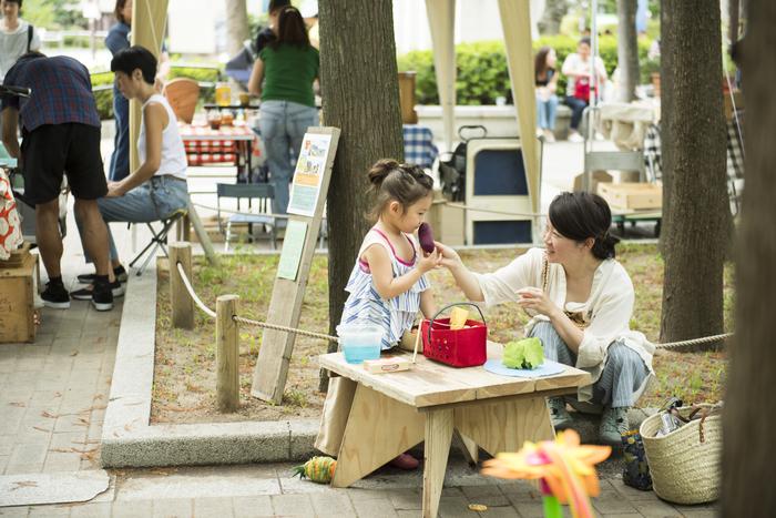 小さな子供たちが気兼ねなく遊べるようなスペースもバッチリ。 季節によって入れ替わるのにもワクワクさせられます。