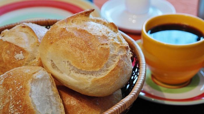 こんなに楽チンでいいの!?ストウブや鍋で簡単 「こねないパン」の作り方