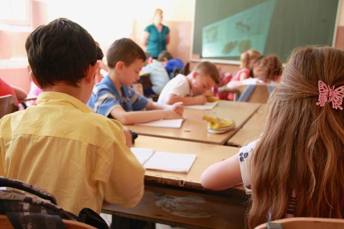 環境が変わる春。お子様ももちろん、親御さんたちにとってもどのような学習環境を用意したら良いのだろうかと、うれしい反面不安なこともあると思います。  兄弟姉妹がいらっしゃれば、子ども部屋を一緒にすべきか分けるべきか考えることになり、お家の中の様子も変化があるかもしれませんね。