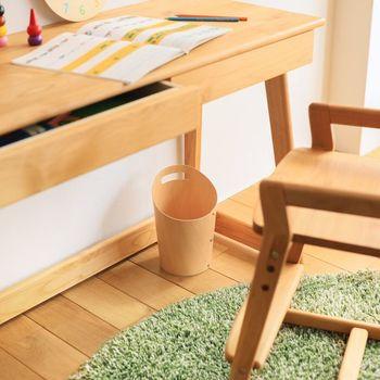 お子様の物が子ども部屋に集結するので、リビングやダイニングが散らかりにくく片付けや掃除が楽になるという、インテリア面でのメリットもあります。