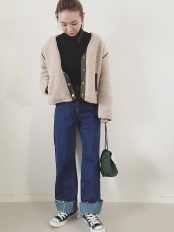 こなれ感を演出してくれるミリタリー巾着は、くったりとしたコットンを選んで。カーキ×モスグリーンのグラデーションコーディネートも素敵。