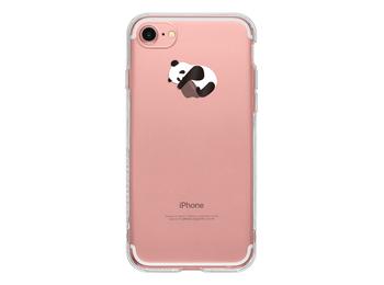 iPhone用ケースは、背面のAppleマークに遊び心あるデザインを加えるものも多数。こちらは、今なにかと話題の「パンダ」が、りんごをぎゅっと抱きしめる愛らしいポーズです。