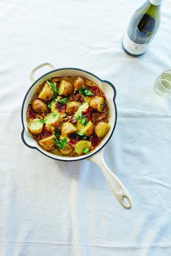 つくってみたい《フランス家庭料理》はありましたか?その土地に古くから伝わる郷土料理も、今では家庭で愛されるおふくろの味になっているんですね。そのような文化を大切にするフランスに想いを馳せながら、美味しい一皿をぜひ味わってみてください。