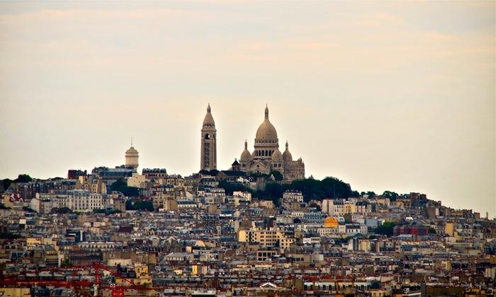 フランス首都のパリ北端にあるモンマルトルの丘は、パリの中で最も高い場所です。