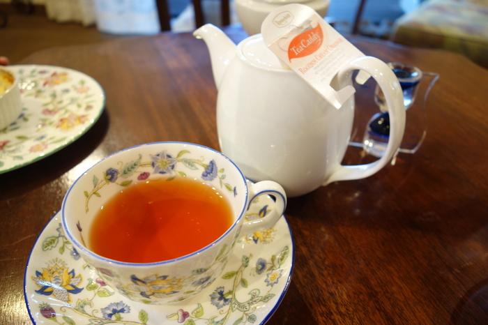 紅茶は数種類から選べて、ポットサービスなのでたっぷり飲めるのがうれしい。イギリスのようなアフタヌーンティーを楽しみたいときにおすすめです♪