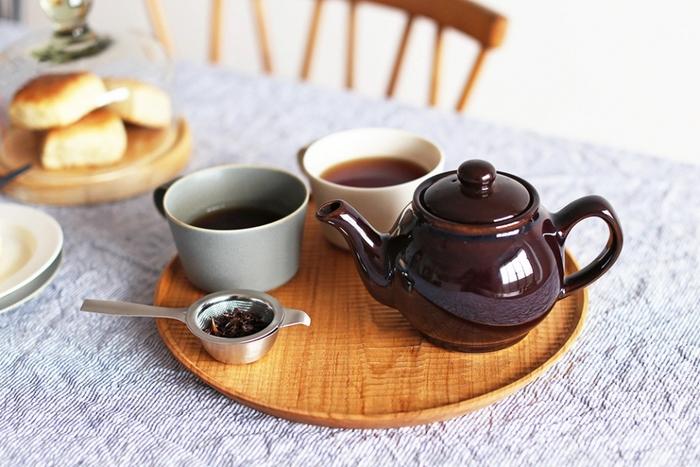 紅茶好きの方にオススメなのが、コロンとしたフォルムがとっても可愛らしいBrown Betty(ブラウンベティ)のティーポット。