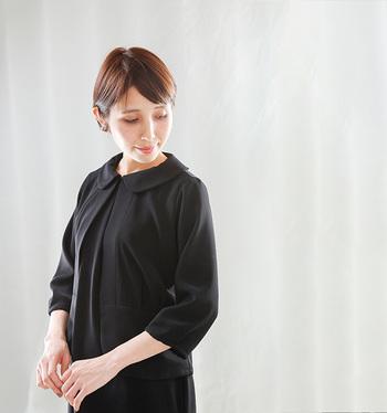 黒なら何でもいい?なんて思わないで、大人の女性ならこだわりたいフォーマル服。ディテールや素材感にこだわって今の自分に似合う一着を探してみない?