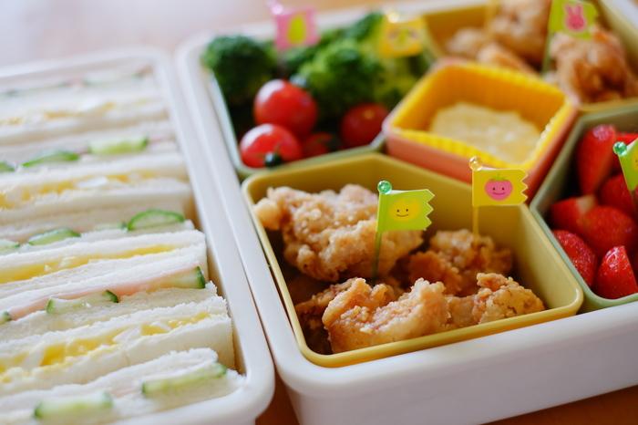 会社のお昼休みや、学校、お子さんの為に作るもの……お弁当には色んなシチュエーションがありますね。お弁当箱には色んな思い出や、楽しみが詰まっています。