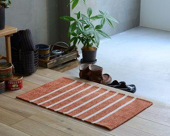 空気を浄化したい時や場所におすすめのアロマオイルを加えたワックスサシェは玄関などにおすすめですよ。