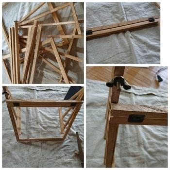 まず木材をカットしワックスを塗って下準備。その後、グルーガンで蝶番を接着していきます。頑丈に作りたい場合は、グルーガンの代わりに木工ボンドを使いましょう。