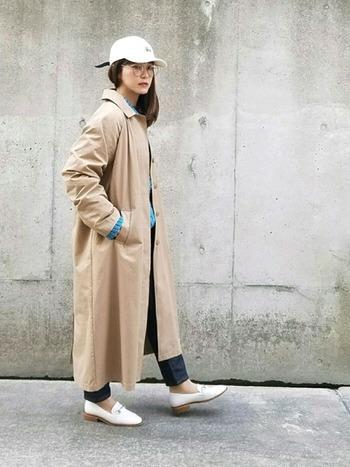 シンプルな形だからこそ、いろいろな着こなしが楽しめるステンカラーコート。どんなシーンでも着られる安定の一着です。ぜひワードローブに加えてみてくださいね。