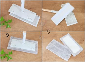 床掃除は「フローリングモップ」にお任せ!通常はシートを取り付けて使いますが、カバーを外して別売りのマイクロファイバーモップに付け替えて使うこともできる優れものです。