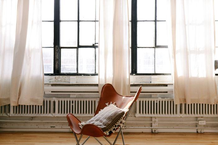 お家の悩みは人それぞれ。お部屋が狭い・日当たりが悪い・周囲の音が気になる・部屋が落ち着かず眠れない・生活感がありすぎるなど……あげるとキリがないですね。お家においての「あるある」な悩みをピックアップし、解決策をご提案します。