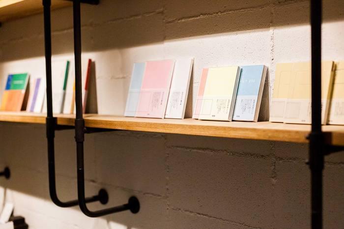ひとりづつに寄り添ったノートだからこそ出来ること。「このノートに書きたい…」と思える、そんなノートが『TETO』にはあります。例えばそれは、自分に合うお気に入りの洋服を選ぶみたいに…