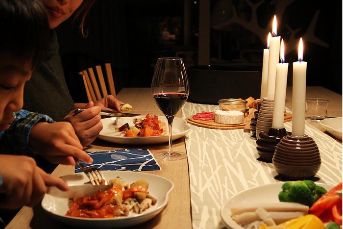 画像は赤・白のワインからシャンパン、日本酒、まで楽しめる4wayグラス「Vinos」。家飲みに最適。