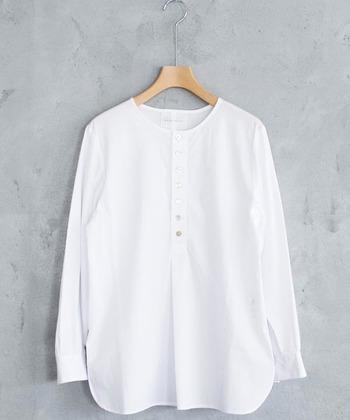 いかがでしたか?生地やシルエットにこだわった白シャツの名品たち。レイヤードスタイルとして幅広く活躍させる事が出来る定番のシャツなので、是非コーデに取り入れてみてくださいね。