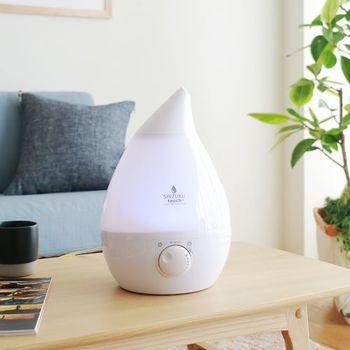 乾燥したお部屋は床に落ちた花粉やハウスダストが舞い上がる原因になります。お部屋の湿度は、加湿器などを駆使して60パーセント程度に保つようにしましょう。