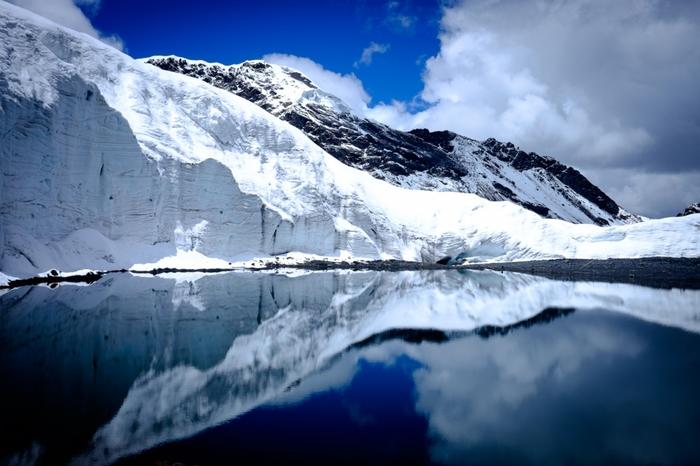 四国の2分の1相当の広さを誇るワスカラン国立公園内は、パストルリ氷河、ワスカラン山南峰など雄大な山岳地帯が魅せてくれる絶景の宝庫となっています。