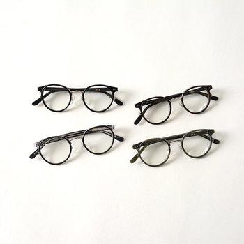 そこで今回は、ナチュラルコーデにぴったりなおしゃれ眼鏡と、眼鏡を使った着こなしをご紹介します。眼鏡に慣れていないけれど挑戦したいという方は、ぜひ参考にしてみてくださいね♪
