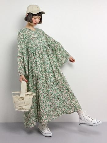 いかがでしたか。一枚でコーディネートの主役になってくれる《柄物ワンピース》は、これからの季節、様々な着こなしを楽しめるアイテムです。お気に入りの一枚を纏って、春のお出かけを楽しみましょう♪