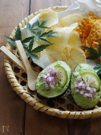 こちらはメキシコ料理のグアカモレを和風にアレンジしたアボカドディップです。青ユズの香りが爽やかで、トルティーヤやポテトチップスはもちろん、手巻き寿司に合わせても美味しいそう。いろいろな楽しみ方ができそうなディップですね。