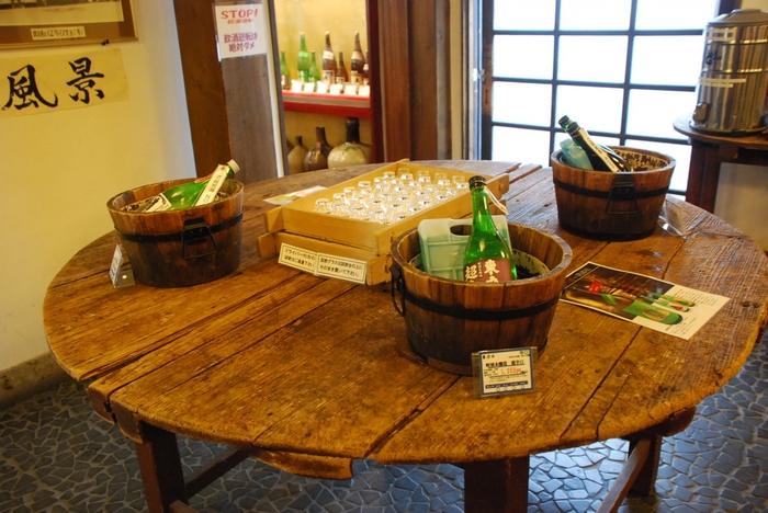 車で10分くらいのところにある店舗では、日本酒の試飲ができます。東力士、どうくつ熟成酒、果実の入った日本酒など色々あって迷ってしまいそうですよ。
