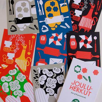 フィンランドのデザインスタジオ「Polkka Jam(ポルッカ ヤム)」のポストカード。型抜きされたクッキー生地や、焼きたてのシナモンロール。ポップに描かれた絵から日常のワクワク感が滲み出ています。お料理好きなら、こんなデザインを飾ってみては?