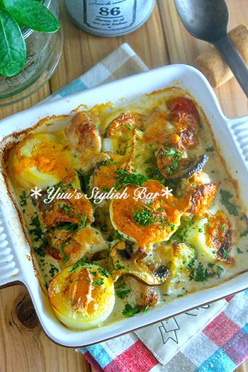 鶏肉と卵で高たんぱく、かつ炭水化物抜きなのでダイエット中の方にもおすすめのレシピ。マッシュルームやズッキーニなど野菜もたくさんいれてボリュームアップ!作り置きしておいてお弁当に入れても◎