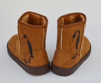 なんと!ブーツにもシルクスクリーン印刷はできちゃうんです。こんなキュートなボアブーツなら寒い日のお出かけも楽しくなりそうですね。