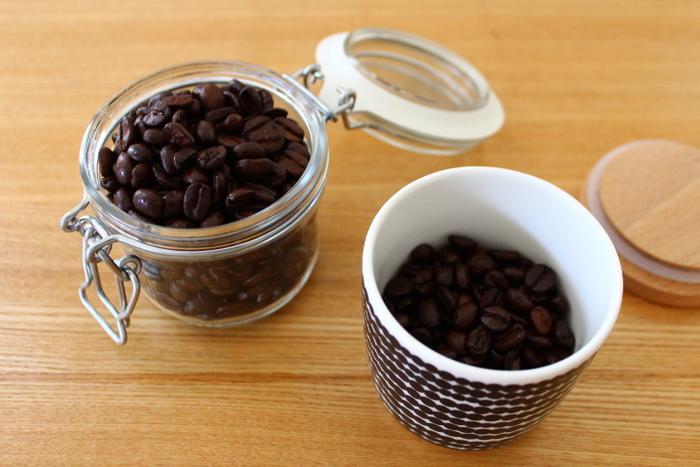 豆の保管の方法なども直接、訊ねることができますね。コーヒー専門店のメリットを生かして、常連になっていきましょう。