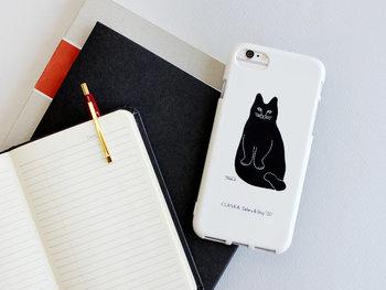 一日に何回も目にする携帯電話だから、お気に入りのデザインを選びたい。こんなシンプルで可愛らしいイラストなら飽きずに長く使えそう。