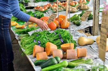 帰りは、お隣のレンバイへ。美味しい野菜のお土産を買うのもお忘れなく◎
