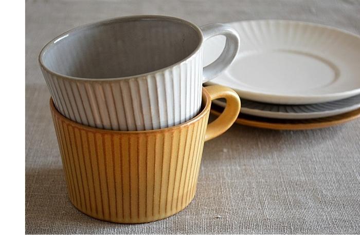 見た目の美しさはもちろん、薄めに作られたカップは口当たりも抜群。おうちでカフェ気分を味わえるような、雰囲気のあるティーカップです。