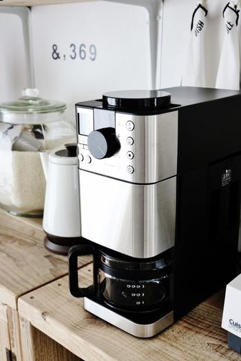 「生活になじむキッチン家電」をテーマにした、どんなキッチン、どんな生活にも馴染む、優しいデザイン。
