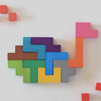 また、ブロックだけを組み合わせて、好きな形を作ることも出来ますよ。遊んでいるうちに、お子さんの発想力がぐんぐん伸びそうですね!