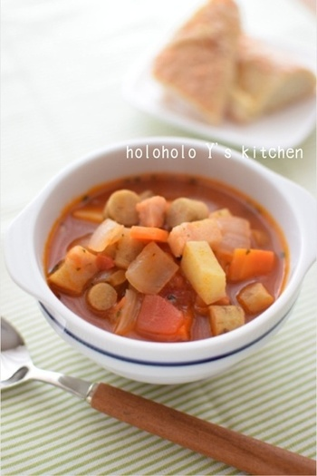 野菜たっぷりのミネストローネにごぼうの風味をプラスしてみませんか?新ごぼうが入ることで、食べ応えもあり、おかずスープになりますよ。