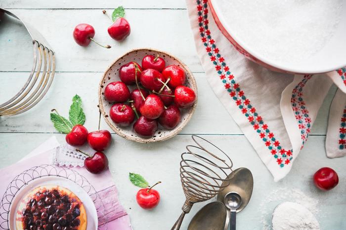 いかがでしたか? お菓子作りをスムーズにサポートしてくれる基本の道具達。お菓子作りに必要な道具には色々なものがあります。おうちにあるもの以外は、最初だけ、揃える手間はありますが、道具を使うことで、美しい仕上がりや美味しさに繋がります。