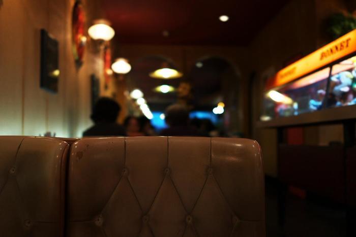 駅や宿泊施設のリノベーションが進む中にあっても、温泉地ならではの気楽なムードや、昭和レトロな風情も残り、市内にはそうした雰囲気や懐かしい味を今に伝える店も数多く残っています。 【文豪・三島由紀夫や谷崎潤一郎らが通った、熱海の老舗喫茶「BONNET」】