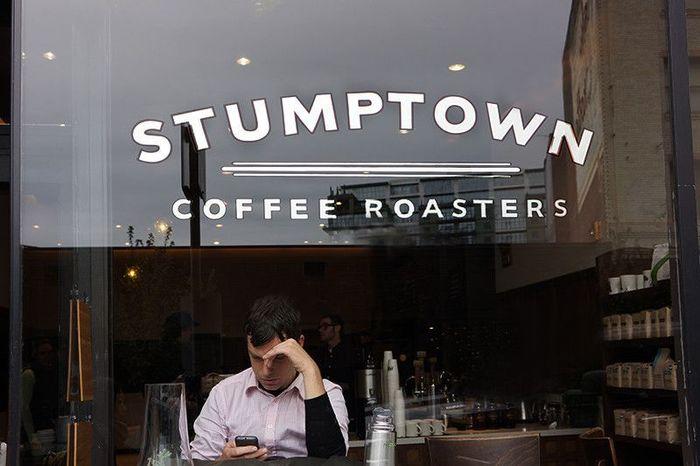 エースホテル内にあるこちらの「スタンプタウンコーヒーロースターズ」こそ、ポートランドスタイルを作り出したサードウェーブコーヒーの火付け役となったカフェなのだそう。