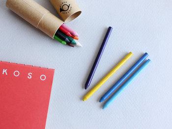 顔料とロウから出来た色鉛筆は、手を汚さず芯を削る手間もありません。お出かけ先や旅行先でサッと気軽にスケッチを楽しめそう。