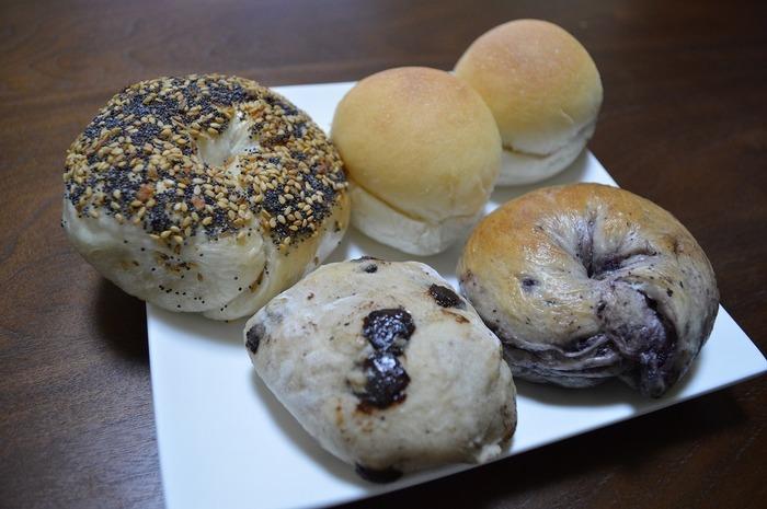 このお店のパンは、糸島産の小麦粉を使い、添加物を入れていないのが特徴。体にやさしい、ヘルシーなパンです。このパンを求めて、県外からもお客さんが多く訪れるそうですよ。地元の素材を活かしたパンを、ぜひ買いに行ってみてください。