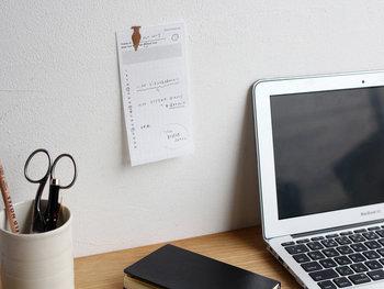 手帳に挟んだり、デスク周りに貼ったりすることで、特別な予定をしっかり把握してスケジューリングすることができます。1枚ずつはがして使えるのも、使い勝手が良くて便利ですね。