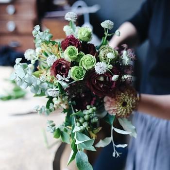 あなたから大切な人へ贈るフラワーギフトは、世界に二つとしてないものです。相手のことを想い、お花を選ぶ時間もかけがえのないものになるでしょう。今回ご紹介した花贈りのポイントやフラワーギフトをご参考に、お世話になった方へ感謝の気持ちを伝えてくださいね。