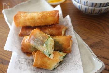 大葉とねり梅、ポテトサラダ包んで揚げるちょっぴり変わった春巻きのレシピ。しその香りがびっくりするほどポテサラに合うのだとか♪お酒のおつまみにも試してみたいですね。